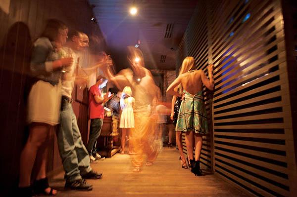 наш любительские съемки движух в ночном клубе стоны настоящие