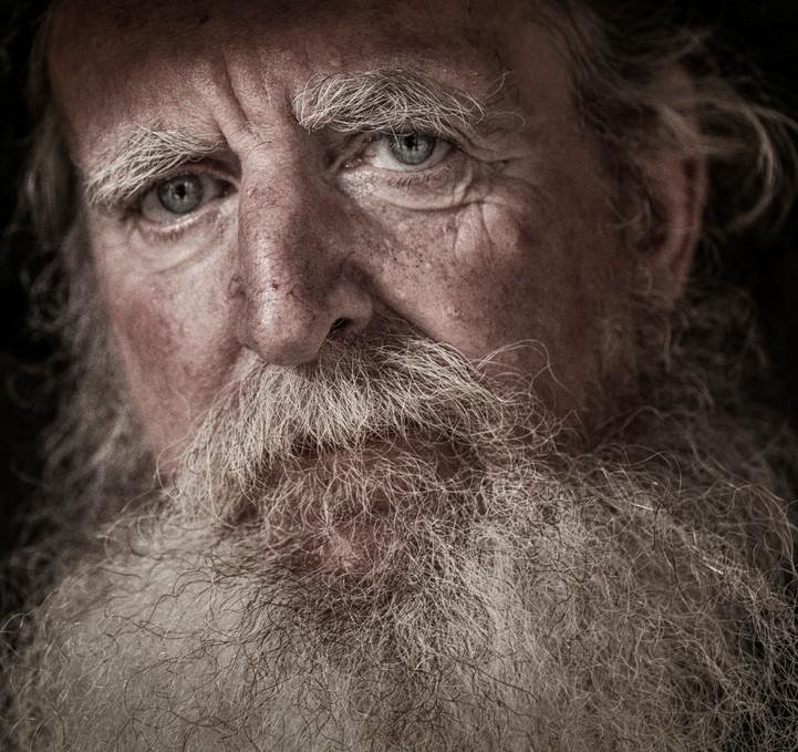 незнакомец седой с бородой сонник