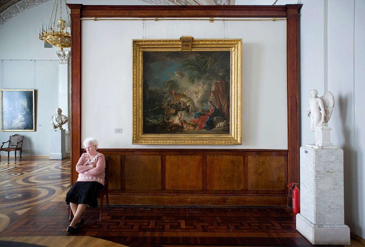 рядом смотрители музеев фото останется только прийти