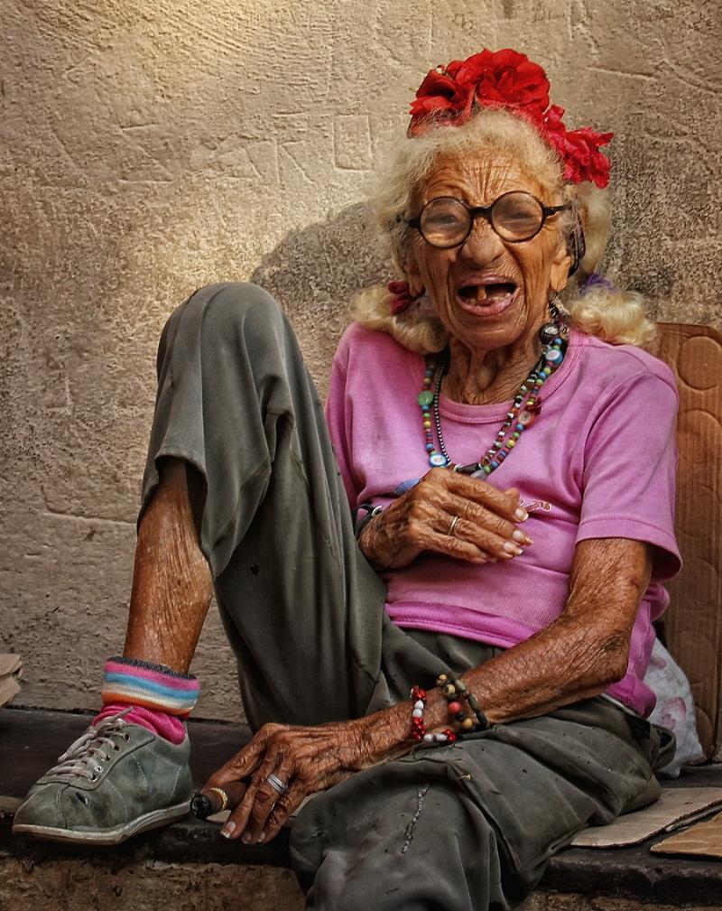 Картинки старая бабка