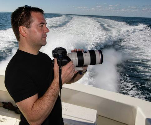 Дмитрий Анатольевич Медведев: «Смысл фотографии – в особой печали о той частичке времени, которая уже никогда не вернется».