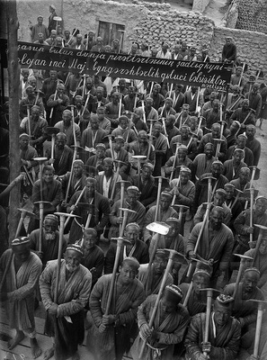 Аркадий Шайхет. Декхане идут на стройку Каракумского канала