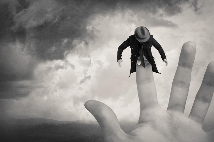 Абстрактная фотография. Человек из пальца. Фото: Tommi Ingberg