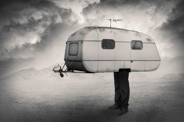 Абстрактная фотография. Человек-вагончик. Фото: Tommi Ingberg