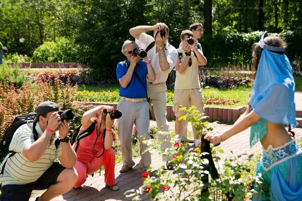 """Прекрасные модели фестиваля позируют нашим гостям, Девушки, модельное агентство Ренессанс, фото девушек, день фотографа 2012, фотофестиваль, фотомодели фествиаля """"День фотографа"""""""