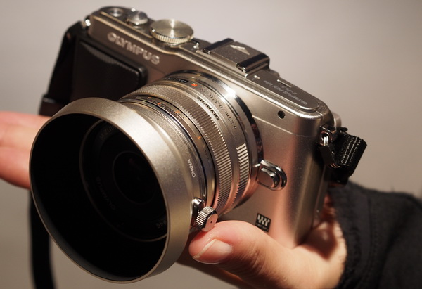 Photokina 2012: Olympus объектив 17mm F1.8