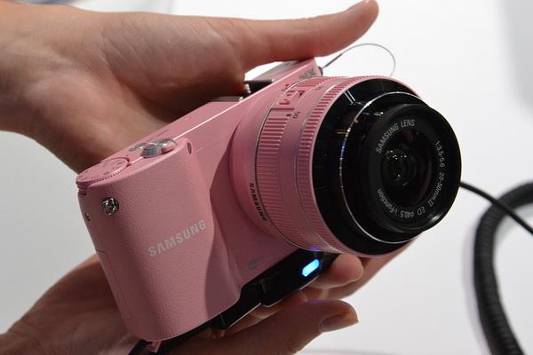 Photokina 2012: Samsung NX100