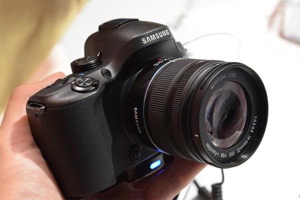 Photokina 2012: Samsung NX20