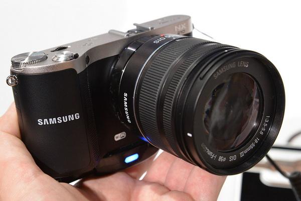 Photokina 2012: Samsung NX210