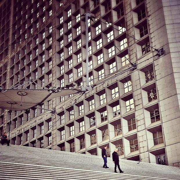 Большая арка, Париж. Мобильная фотография Натали Жеффруа