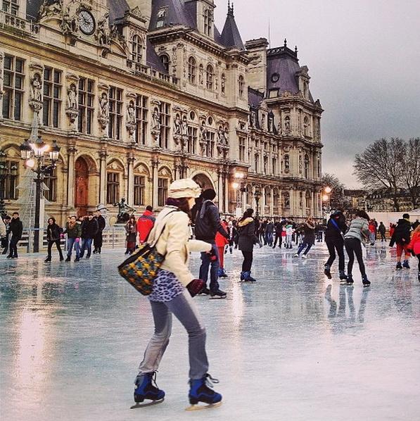 Каток возле Лувра. Мобильная фотография Натали Жеффруа