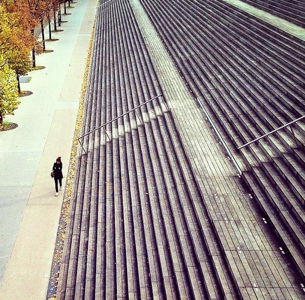 Возле Национальной библиотеки Франции, Париж. Мобильная фотография Натали Жеффруа