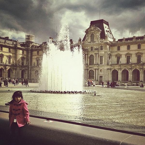Лувр, достопримечательности Парижа. Мобильная фотография Натали Жеффруа