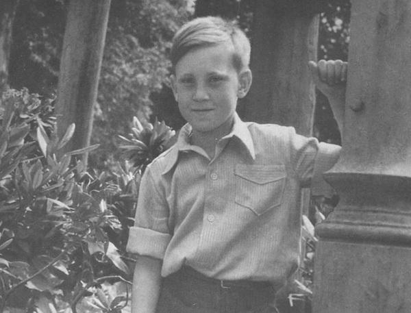 Детские годы Владимира Высоцкого. 1946 г. Из архива Н.М.Высоцкой.
