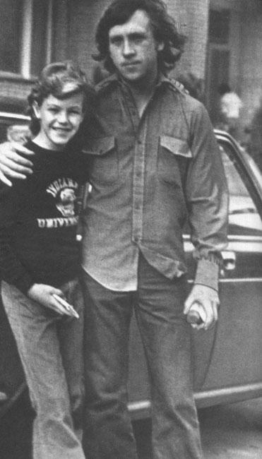 Владимир Высоцкий с сыном М.Влади Пьером в Москве, осень 1975 года