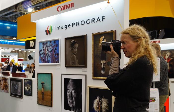Стенд компании Canon на Фотофоруме-2013