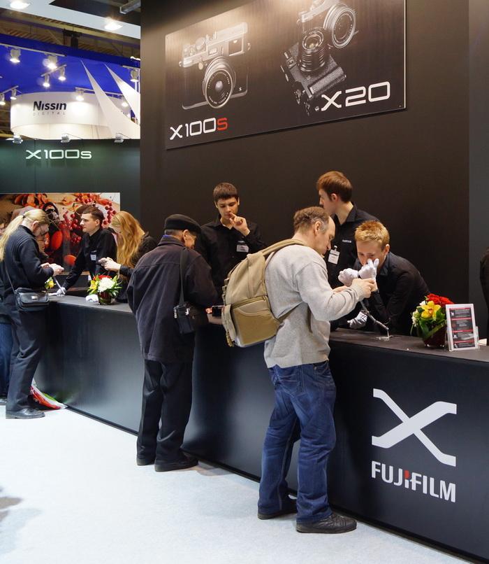Стенд Fujifilm, выставка фотофорум 2013, фотофорум 2013, CONSUMER ELECTRONICS  PHOTO EXPO 2013, Крокус-Экспо, Международная выставка потребительской электроники и фототехники