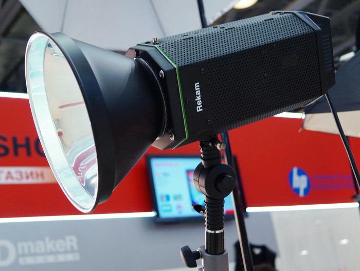 Стенд компании Rekam на Фотофоруме-2013/ Rekam CoolLight 1500 LED