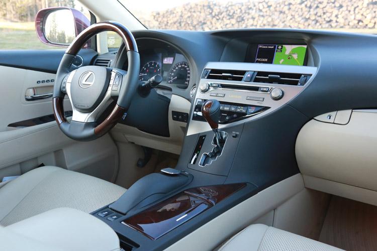 Салон Lexus RX350