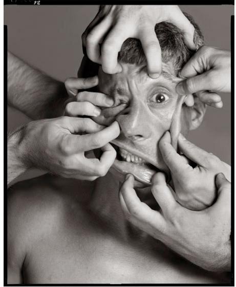 Мир глянцевых журналов подарил нам немало выдающихся фотографов, но и среди них немного найдется столь же известных, как Ричард Аведон. За почти — трудно поверить! — 60 лет своей карьеры он сделал множество знаковых снимков. А ведь вполне мог стать бизнесменом. Или поэтом…