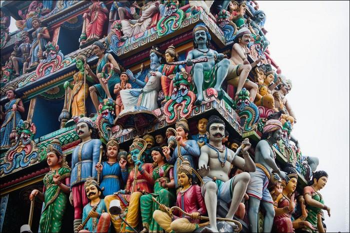 Индуистский храм Шри Мариамман, Сингапур. Фото: Виталий Раскалов