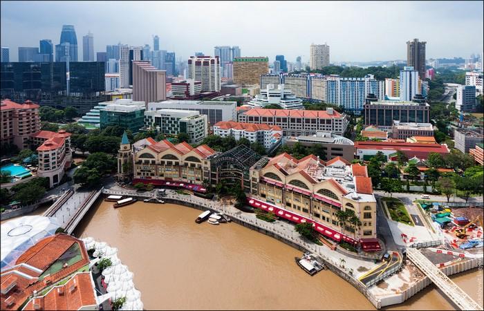 Вода в Сингапуре. Фото: Виталий Раскалов