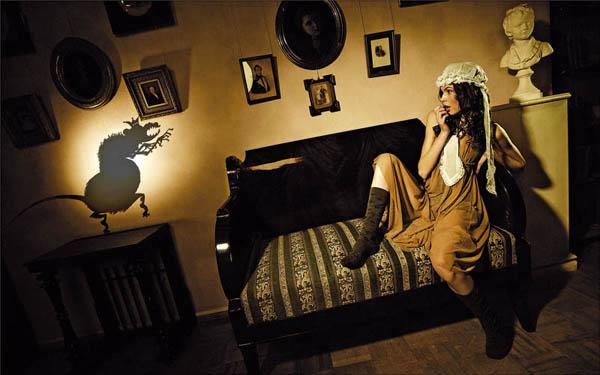 Портфолио: Дима Гущин Дима Гущин - профессиональный фотограф. Занимается рекламной фотографией, снимает моду, архитектуру и интерьеры, портреты знаменитостей длясолидных журналов – «Афиша», Madame Figaro, Forbes, SYNC, «Хулиган», STORY, SKIPASS, SMOKE, Total Football, «Яхты» и других.