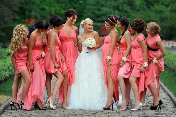 Александр Васильев. В свадебную фотографию я пришел не сразу, этому предшествовал длинный творческий путь.