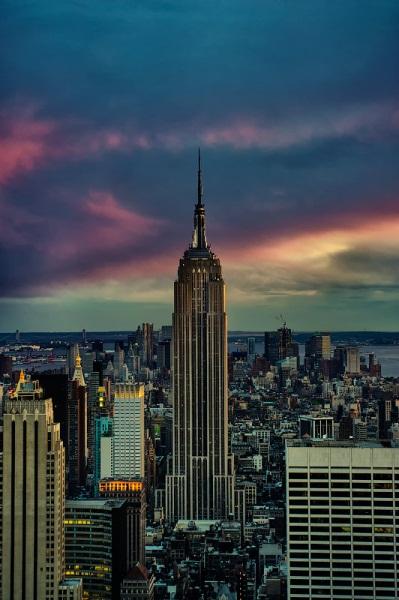 Архитектура Нью-Йорка и Гонконга. Фото небоскрёбов Нью-Йорка и Гонконга.