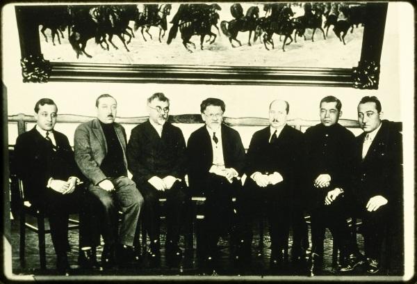 Советская постобработка: «Комиссар исчезает».